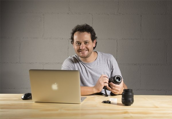Professor do curso de Fotografia, Alexandre da Luz